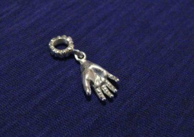 Osobní šperk 3D Memories z 3D odlitku ručičky