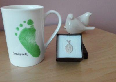 Šperk z otisku a hrnek s vlastním otiskem 3D Memories